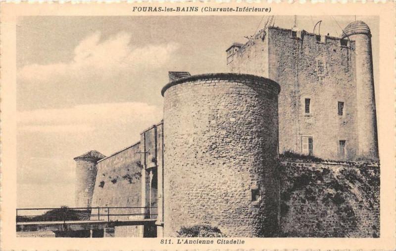 Carte postale ancienne Fouras Les Bains L'Ancienne Citadelle à Fouras