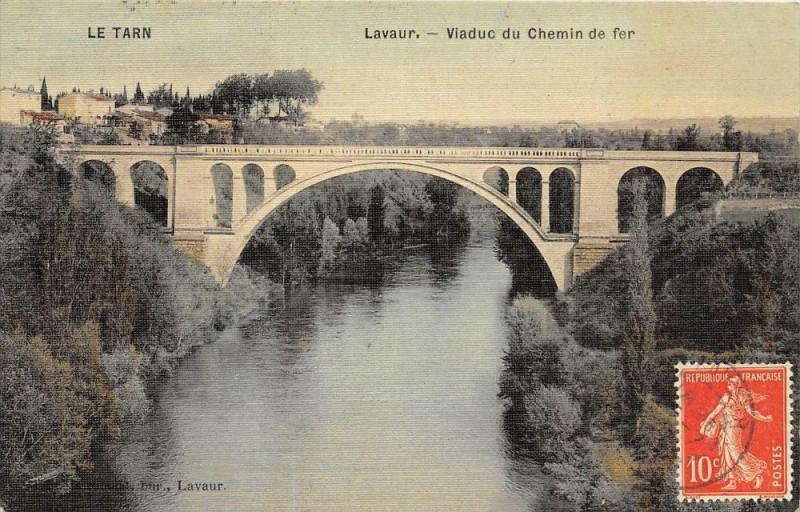 Carte postale ancienne Lavaur Viaduc Du Chemin De Fer (cpa toilée émaillée à Lavaur