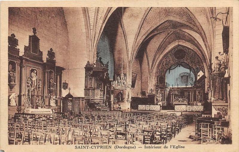 Carte postale ancienne Saint Cyprien Interieur Eglise à Saint-Cyprien
