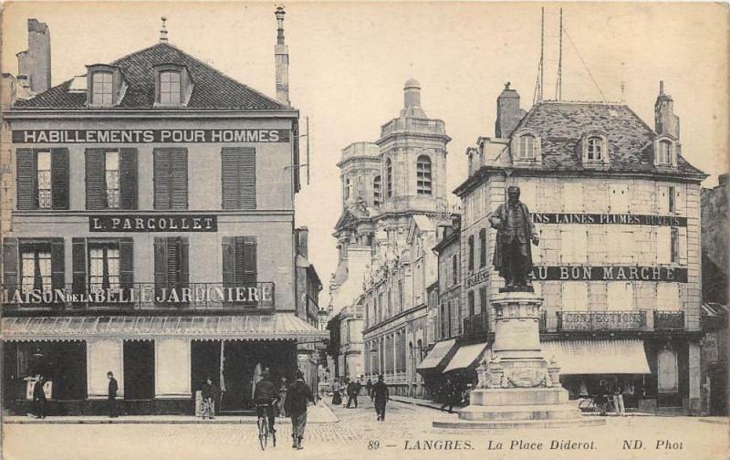 Carte postale ancienne Langres La Place Diderot à Langres