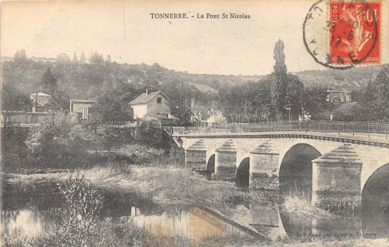 Carte postale ancienne Tonnerre Le Pont St Nicolas à Tonnerre