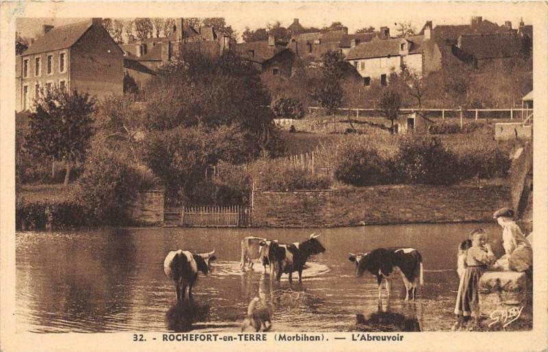 Carte postale ancienne Rochefort En Terre L'Abreuvoir à Rochefort-en-Terre