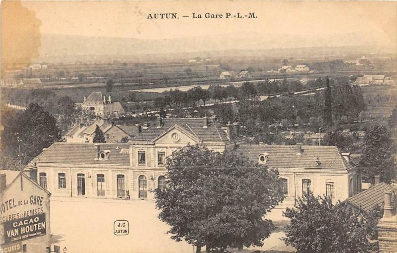 Carte postale ancienne Autun La Gare P.L.M. à Autun