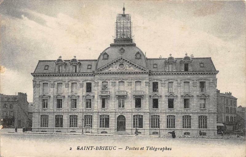 Carte postale ancienne Saint Brieuc Postes Et Telegraphes à Saint-Brieuc