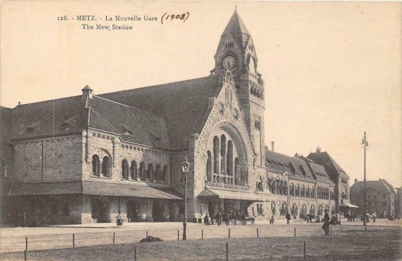 Carte postale ancienne Metz La Nouvelle Gare à Metz