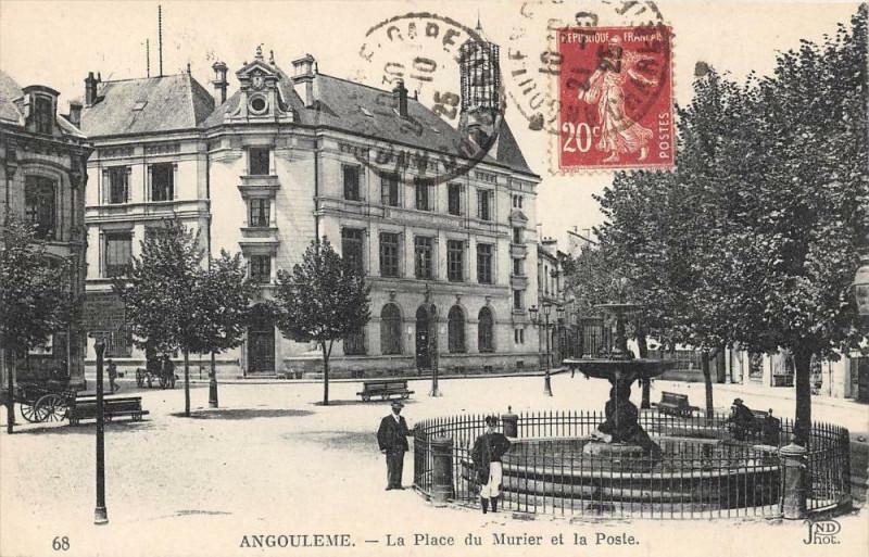 Carte postale ancienne Angouleme La Place Du Murier Et La Poste à Angoulême