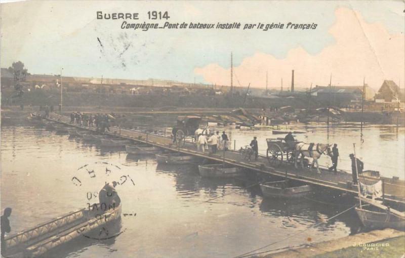Carte postale ancienne Compiegne Pont De Bateaux Installe Par Le Genie Francais à Compiègne