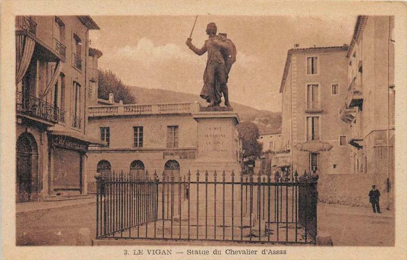 Carte postale ancienne Le Vigan La Statue D'Assas au Vigan