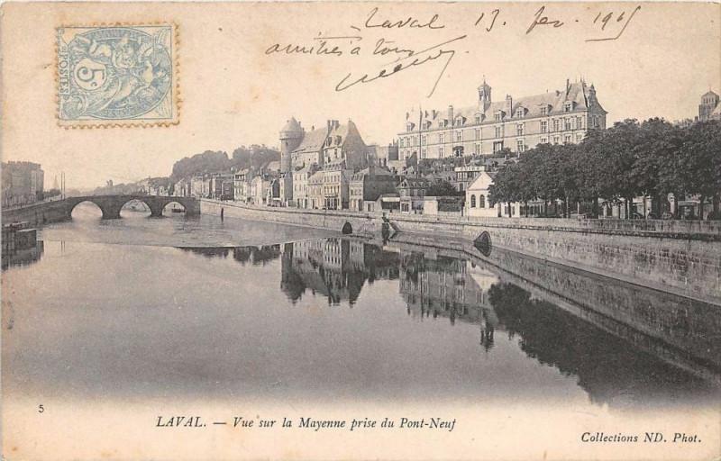 Carte postale ancienne Laval Vue Sur La Perrine Prise Du Pont Neuf à Laval