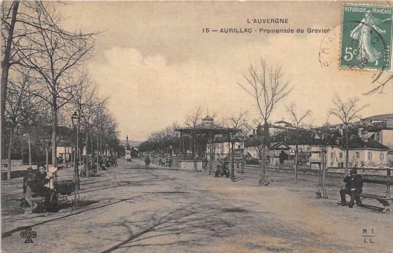 Carte postale ancienne Aurillac Promenade Du Gravier à Aurillac