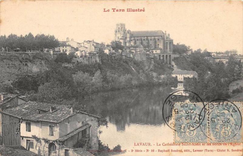 Carte postale ancienne Lavaur La Cathedrale St Alain Et Bords De L'Agout à Lavaur