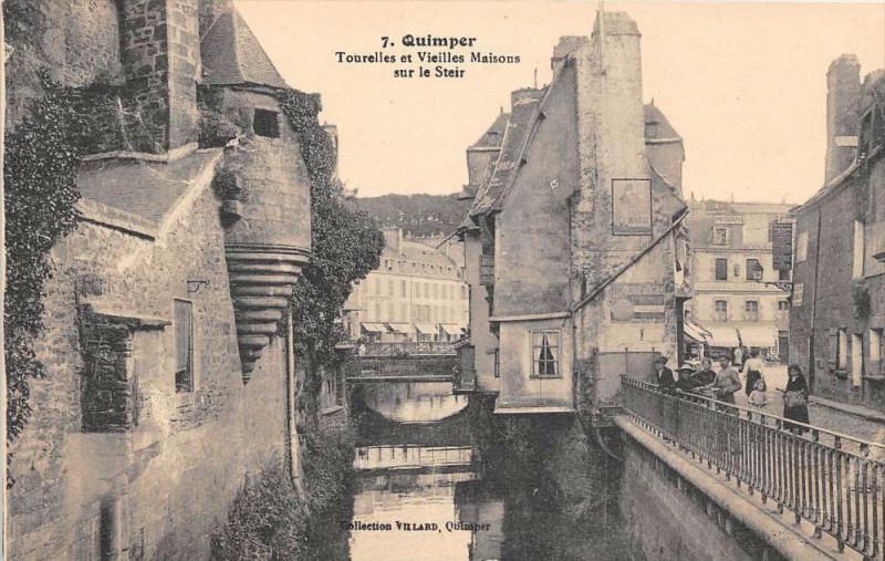 Carte postale ancienne Quimper Tourelles Et Vieilles Maison Sur La Steir à Quimper