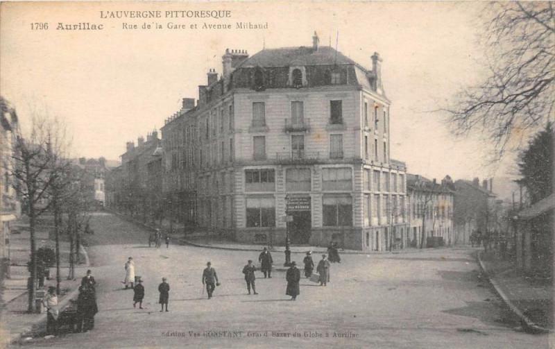Carte postale ancienne Aurillac La Rue De La Gare Avenue Milhaud à Aurillac