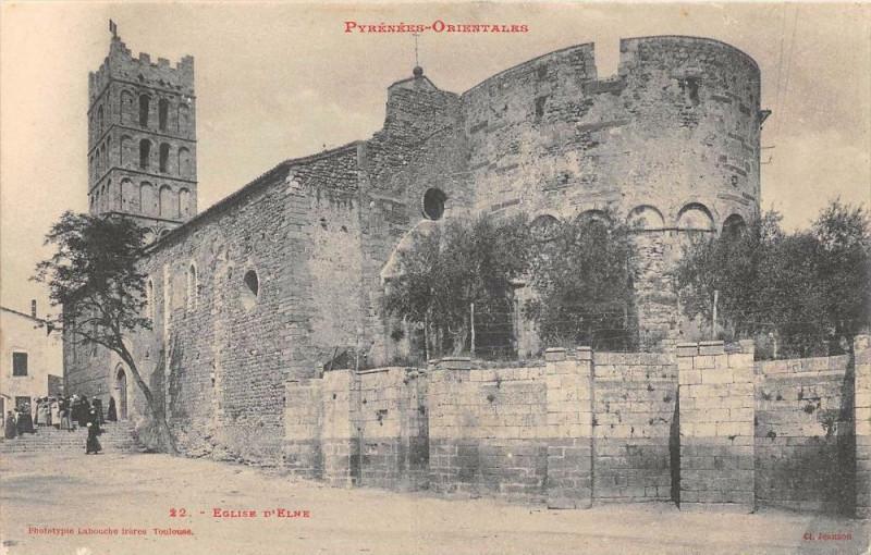 Carte postale ancienne Eglise D'Elne à Elne
