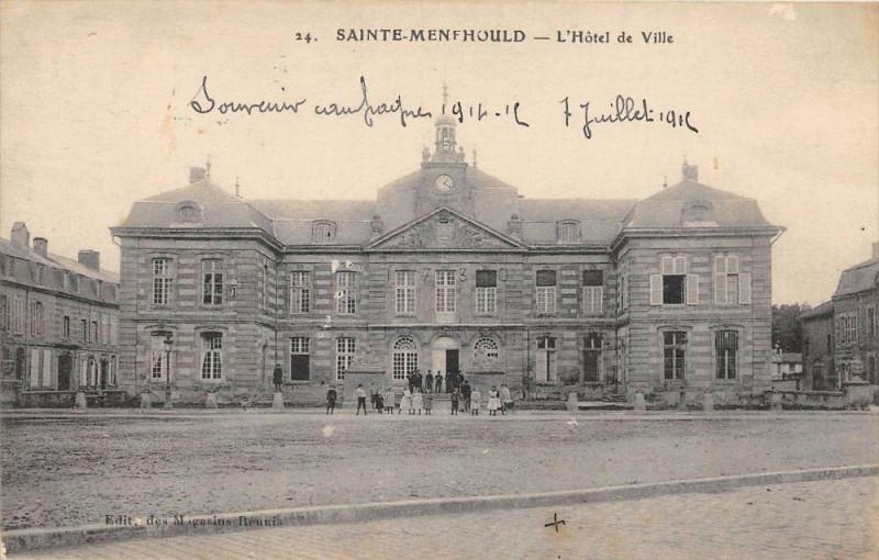 Carte postale ancienne Sainte Menehould Hotel De Ville à Sainte-Menehould
