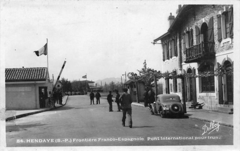 Carte postale ancienne Hendaye Frontiere Franco Espagnole Pont Internacional Pour Irun à Hendaye