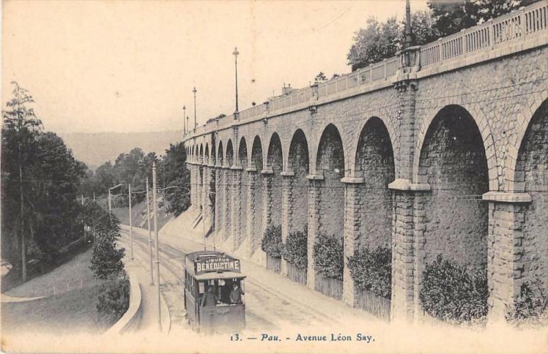 Carte postale ancienne Pau Avenue Leon Say à Pau