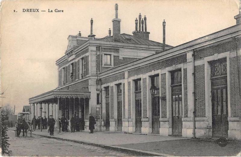 Carte postale ancienne Dreux La Gare à Dreux