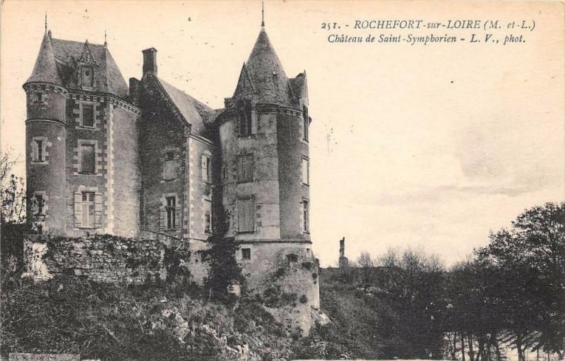Carte postale ancienne Rochefort Sur Loire Chateau St Symphorien à Loiré