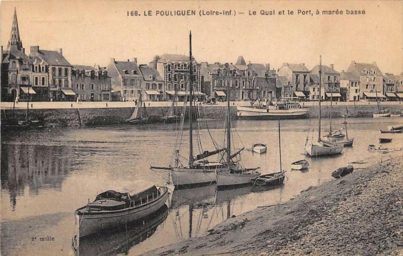 Carte postale ancienne Le Pouliguen Le Quai Et Le Port A Maree Basse au Pouliguen