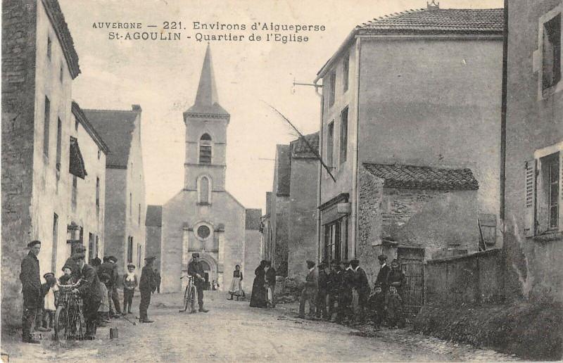Carte postale ancienne Saint Agoulin Quartier De L'Eglise à Saint-Agoulin