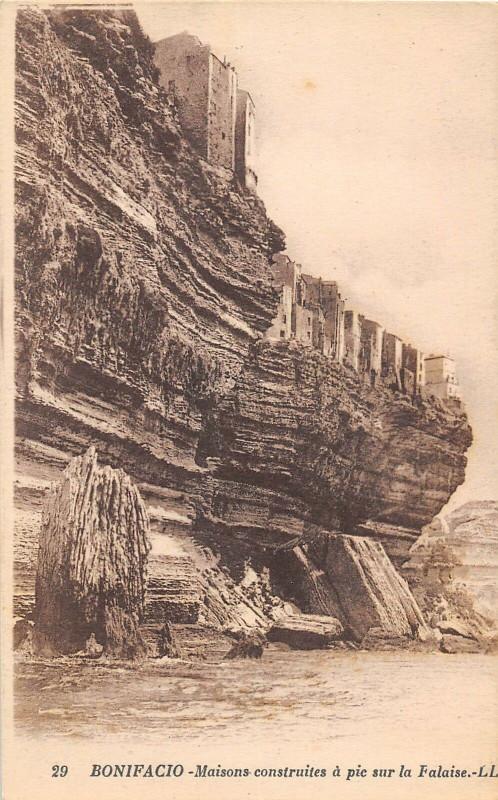 Carte postale ancienne 20 Corse Bonifacio Maisons Constuites A Pic Sur La Falaise à Bonifacio