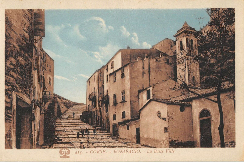 Carte postale ancienne 20 Corse Bonifacio La Basse Ville à Bonifacio