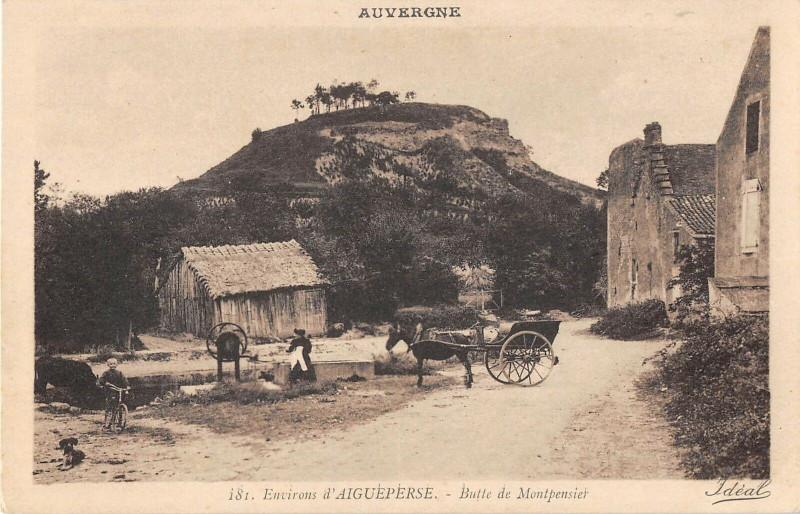 Carte postale ancienne Environs D'Aigueperse Butte De Montpensier à Montpensier