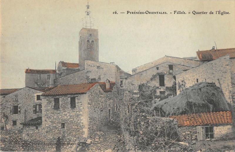 Carte postale ancienne Fillols Quartier De L'Eglise (petit village cliché rare à Fillols