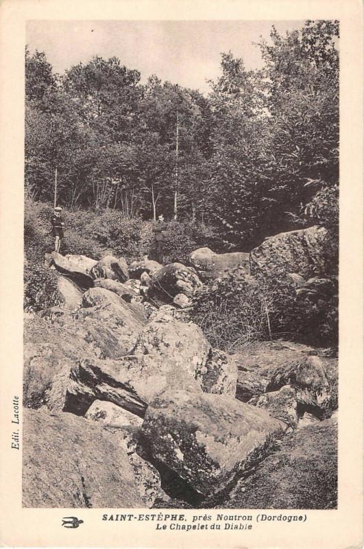 Carte postale ancienne Saint Estephe Pres Nontron La Chapelle Du Diable à Nontron