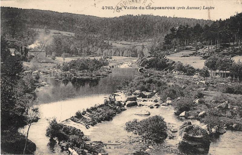 Carte postale ancienne La Vallee Du Chapeauroux Pres Auroux à Auroux