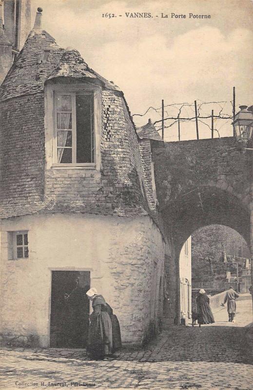 Carte postale ancienne Vannes La Porte Poterne à Vannes