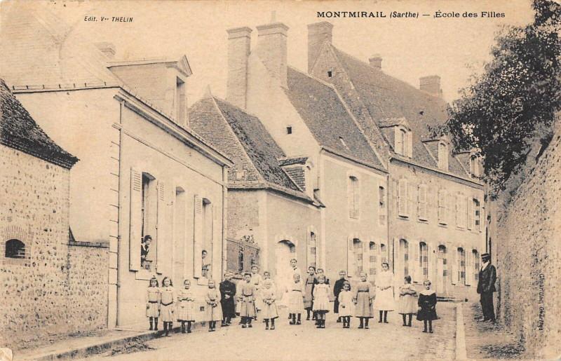 Carte postale ancienne Montmirail Ecole Des Filles à Montmirail