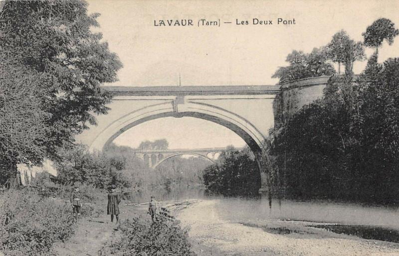Carte postale ancienne Lavaur Les Deux Ponts à Lavaur