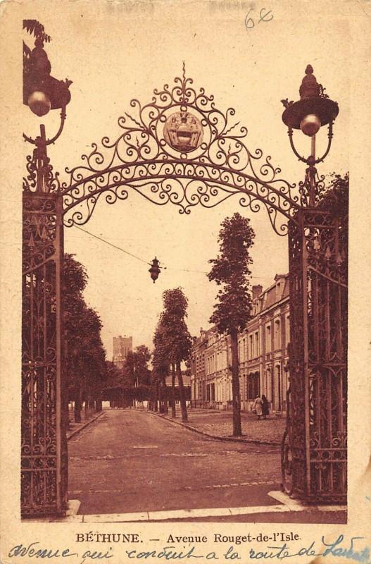 Carte postale ancienne Bethune Avenue Rouget De L'Isle à Béthune