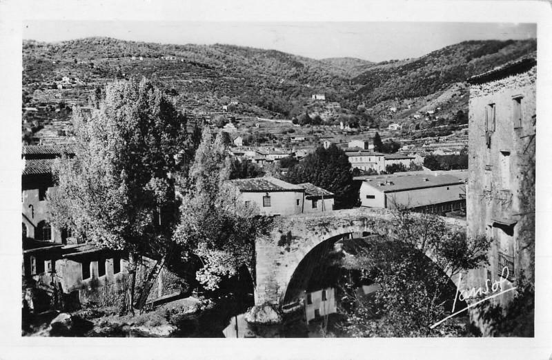 Carte postale ancienne Le Vigan Le Vieux Pont au Vigan