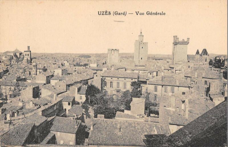 Carte postale ancienne Uzes Vue Generale à Uzès