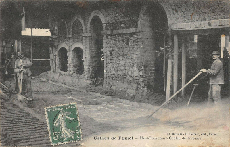Carte postale ancienne Usines De Fumel Haut Fourneau Coulee De Gueuses à Fumel