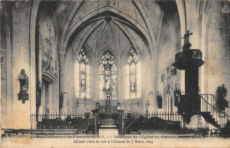Carte postale ancienne Sainte Catherine De Fierbois Interieur De L'Eglise à Sainte-Catherine-de-Fierbois