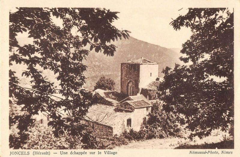 Carte postale ancienne Joncels Une Echappee Sur Le Village à Joncels