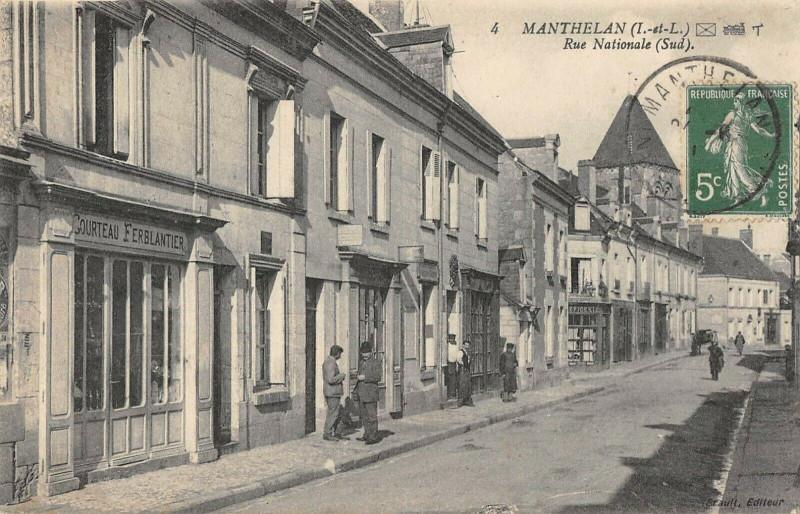 Carte postale ancienne Manthelan Rue Nationale Sud à Manthelan