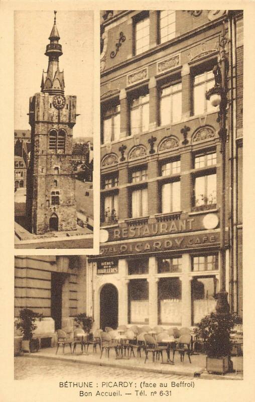 Carte postale ancienne Bethune Picardy Face Au Beffroi Bon Accueil à Béthune
