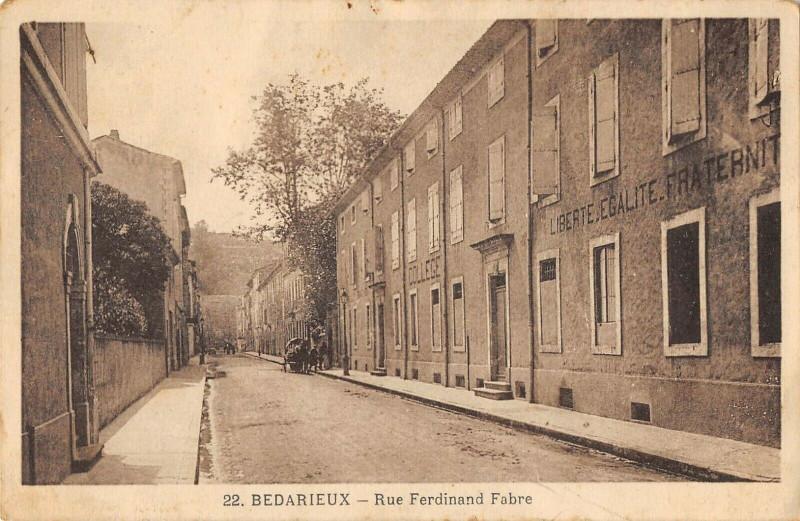 Carte postale ancienne Bedarieux Rue Ferdinand Fabre à Bédarieux