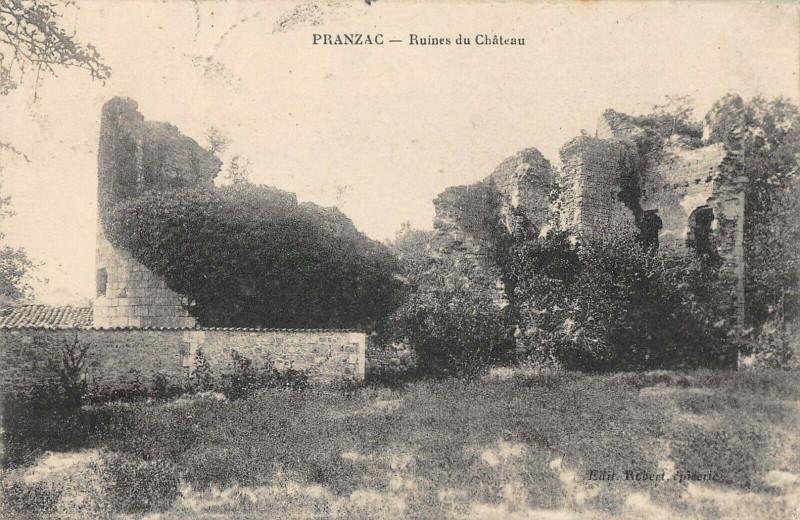 Carte postale ancienne Pranzac Ruines Du Chateau à Pranzac