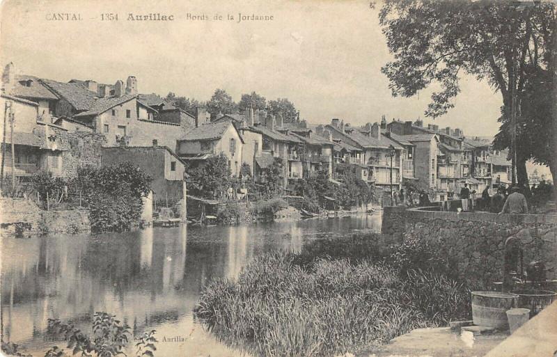 Carte postale ancienne Aurillac Bords De La Jordanne à Aurillac