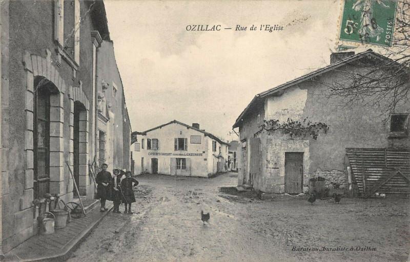 Carte postale ancienne Ozillac Rue De L'Eglise à Ozillac