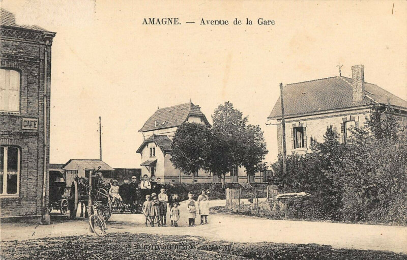 Carte postale ancienne Amagne Avenue De La Gare à Amagne