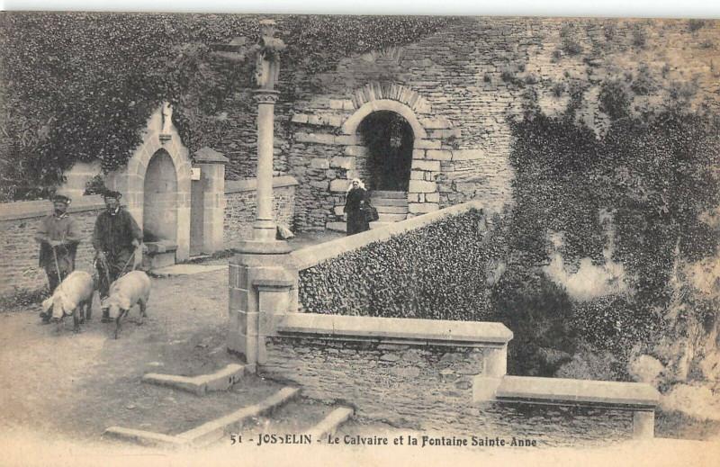 Carte postale ancienne Josselin Le Calvaire Et Fontaine Sainte Anne à Josselin