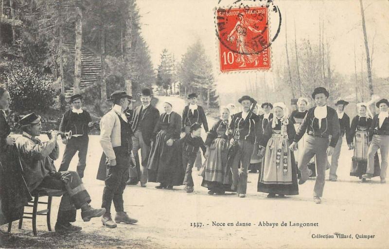 Carte postale ancienne Noce En Danse Abbaye De Langonnet à Langonnet