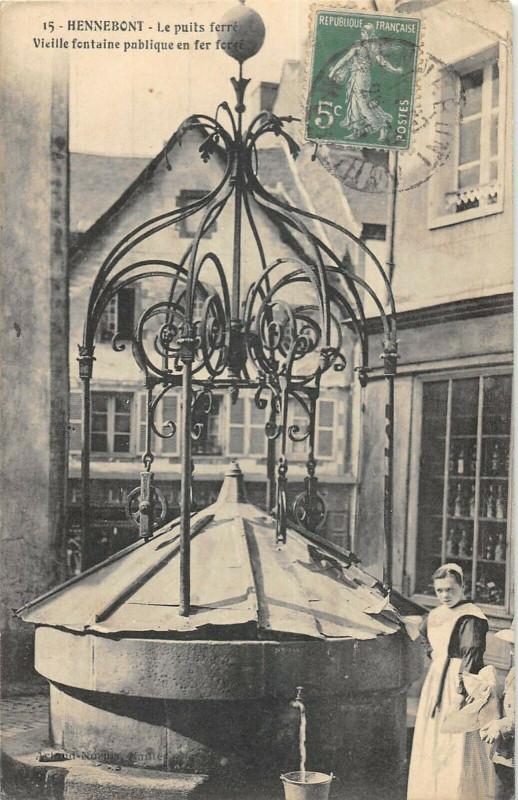Carte postale ancienne Hennebont Le Puits Ferre à Hennebont
